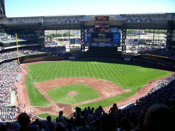 Milwaukee Brewers take on the Houston Astros at Miller Park